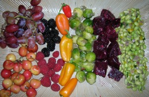 veggie and fruit holiday appetizer tray tom cifelli 300x196 Holiday wishes for peace and vibrant health in the new year